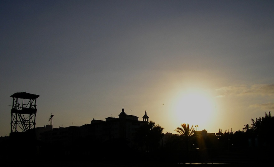 2005 - Windy Silhouette - Estepona, Spain