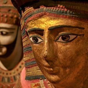 2009 - Egyptian stone heads - London, England