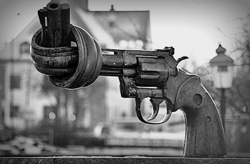 2010 - How a gun should be - Malmö, Sweden