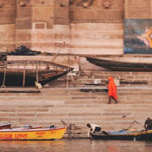 2018 - Man unfocused in orange shirt - Varanasi, India