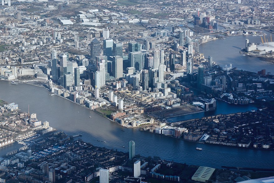 2019 - Landing - London, England (4302x2868)